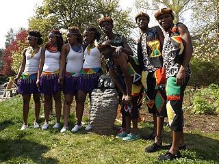 IYASA - vernisáž výstavy afrických soch v ZOO Dvůr Králové