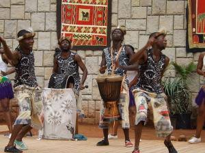 Vystoupení skupiny IYASA v rámci akce Doteky Afriky 2014